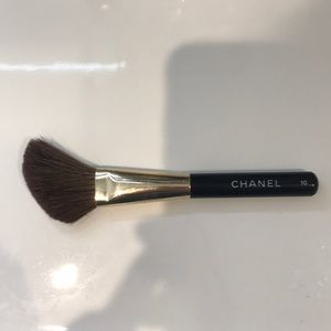 Chanel blush brush #10